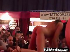 Two hot stripepr play on stage