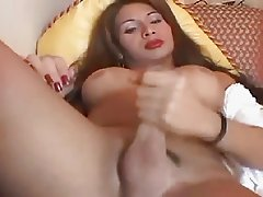 Sexy TS From Brazil Strokes