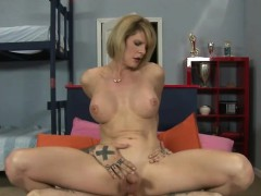 Big boobs TS Delia De Lions anal nailed