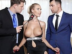 Florane Russell Gets Her Asshole And Pussy Shared By Two Cocks!