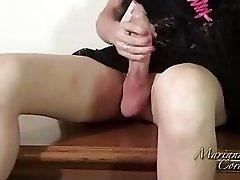 Shemale babe Mariana Cordoba toys her big butt and masturbates