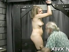 Lusty girlie get total access to her glamour cage