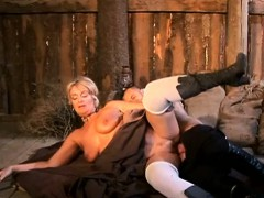 Milf fucked by delivery man in Farmhouse- 2 On HDMilfCam com