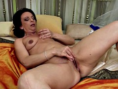 Perfect mature whore mother wet pussy