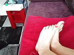 Footjob cumshot girlfriend