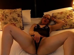 Sexy girlfriend that is slut sucks dick and performs togeth