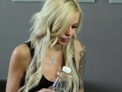 MILF masseuse seduces her client