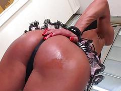 TS Sabrina Camargo masturbation