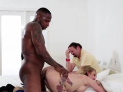 Dicksucking cuckolding wife fucked doggystyle