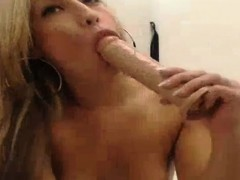Horny ass toying and fingering latina