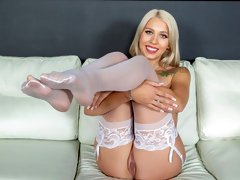 Outstanding blonde babe Chanel Grey gives a passionate blowjob