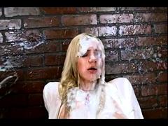La Puta Max Guarra Se Excita Con Este Video